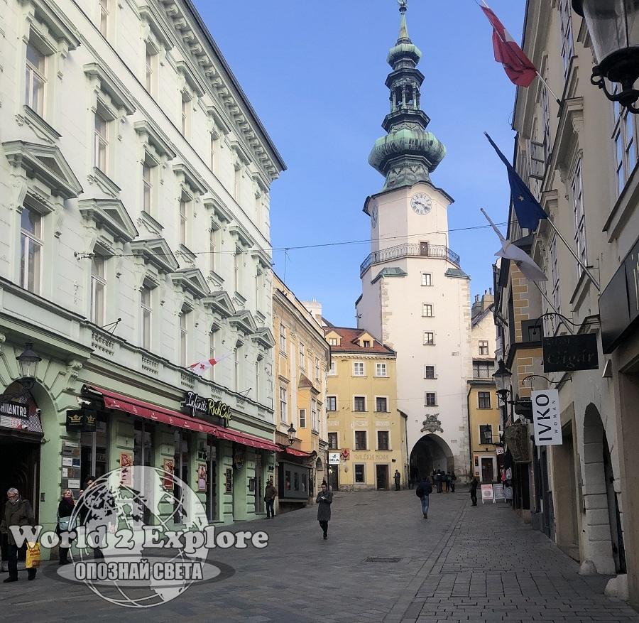 mihalskata-porta-bratislava-star-grad