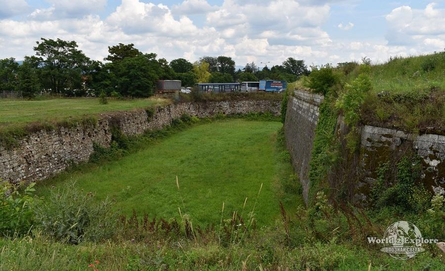 крепостни-стени-ниш